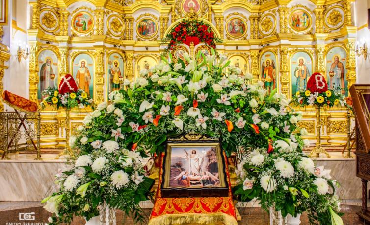 Праздничное убранство Собора в Светлое Христово Воскресение
