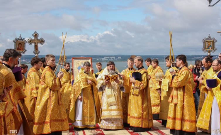 Крестный ход, посвященный 1000-летию преставления князя Владимира
