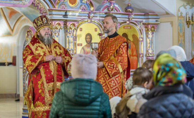 Престольный праздник нижнего храма Михайловского собора