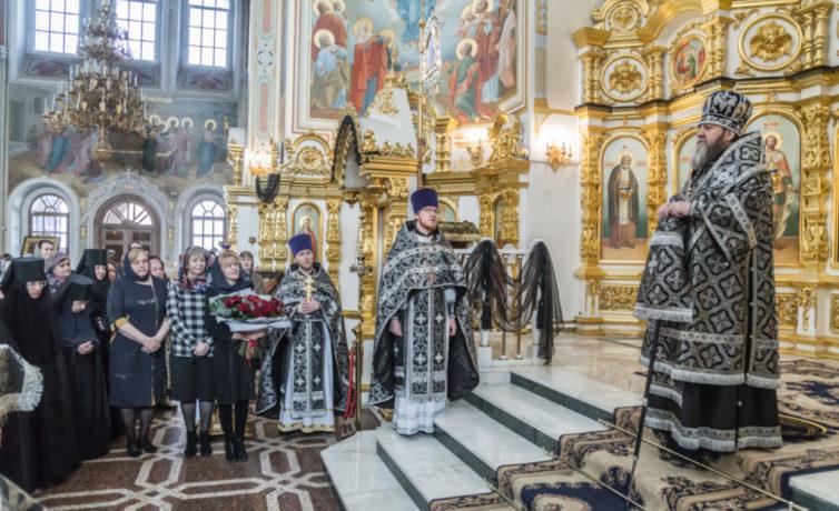 В пятницу первой седмицы Великого поста митр. Викторин молился в кафедральном храме