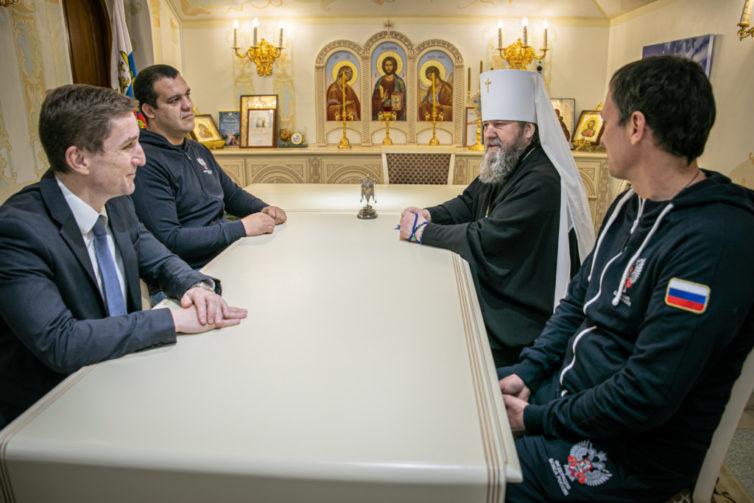 Митрополит Викторин встретился с представителями Федерации Бокса России