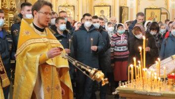 В кафедральном соборе помолились об упокоении бывшего Главы МЧС России